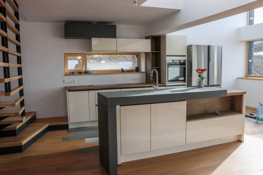 Referință - Bucătărie modernă Nobilia Lux - Crem, bej/Taxus