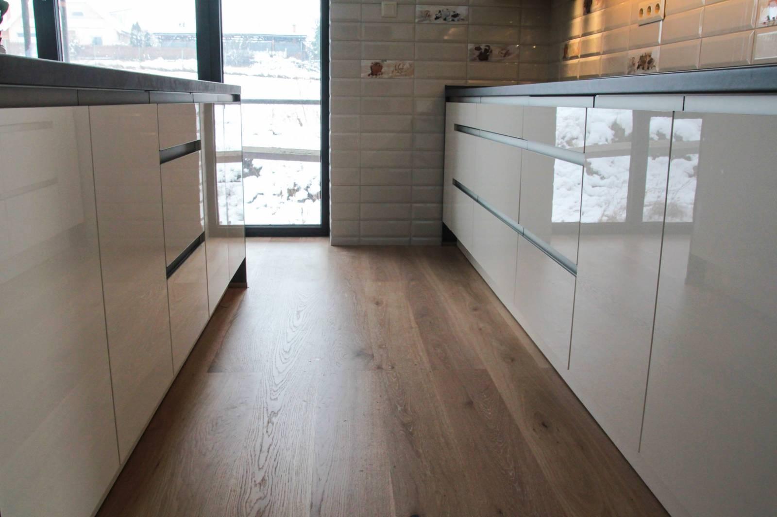 Referință - Bucătărie modernă Nobilia Focus - Crem / Beton gri ardezie