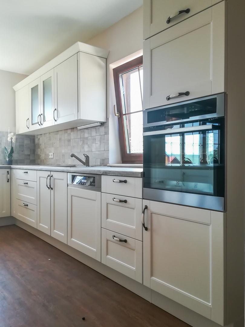 Referință - Bucătărie rustică Nobilia Lucca - Bej / stejar Yukon