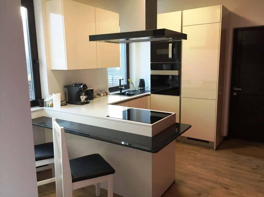 Referință - Bucătărie modernă Nobilia Focus - Bej / cuarț autentic
