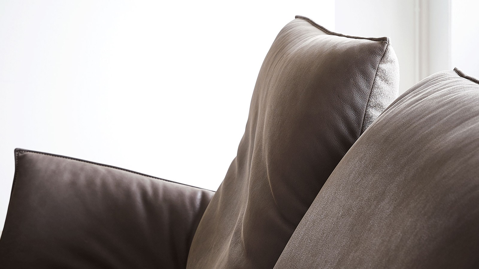 Canapea modernă Koinor Fenja