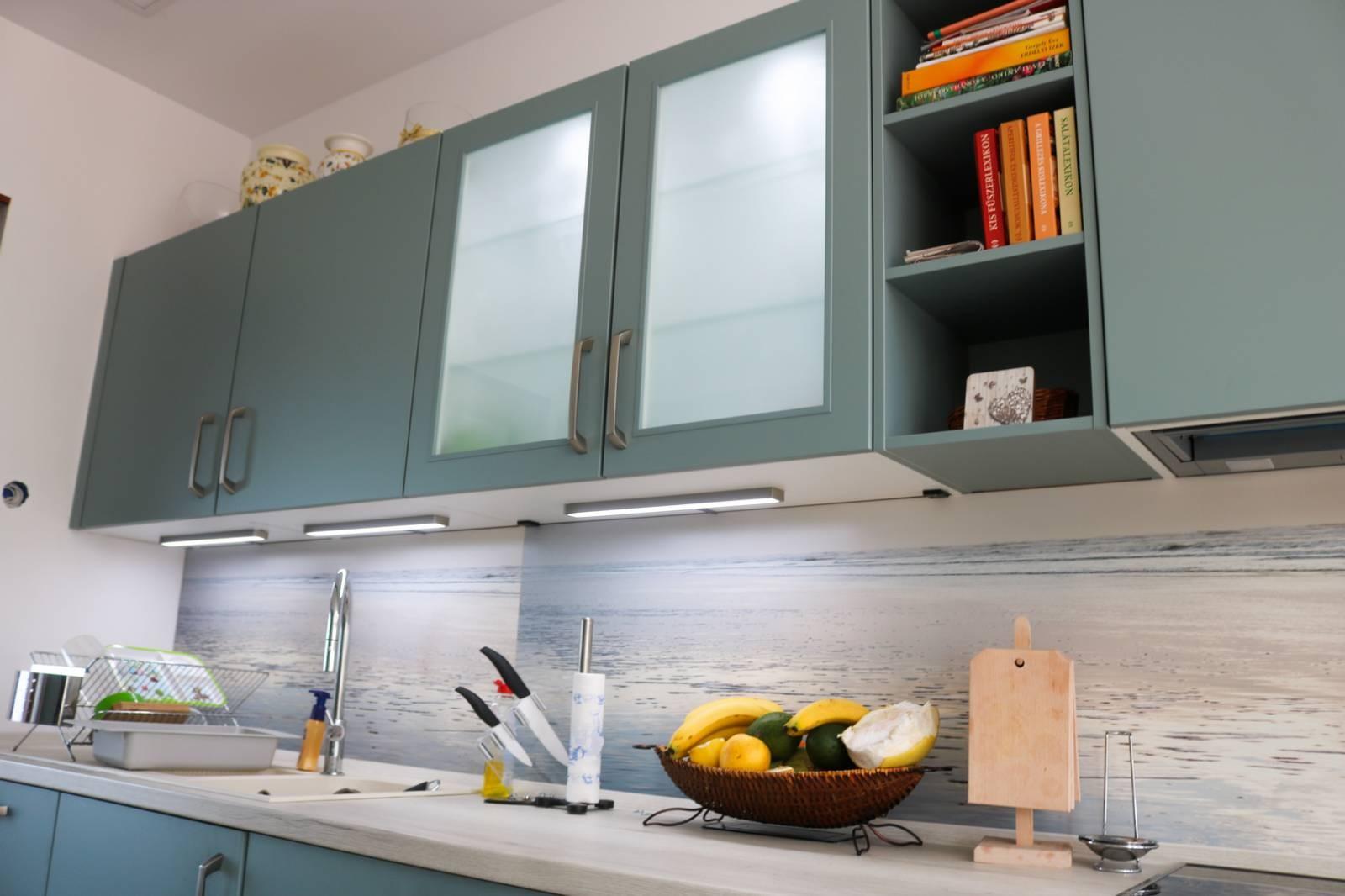 Referință - Bucătărie modernă Nobilia Touch - Apă Albastră / Stejar Sherwood