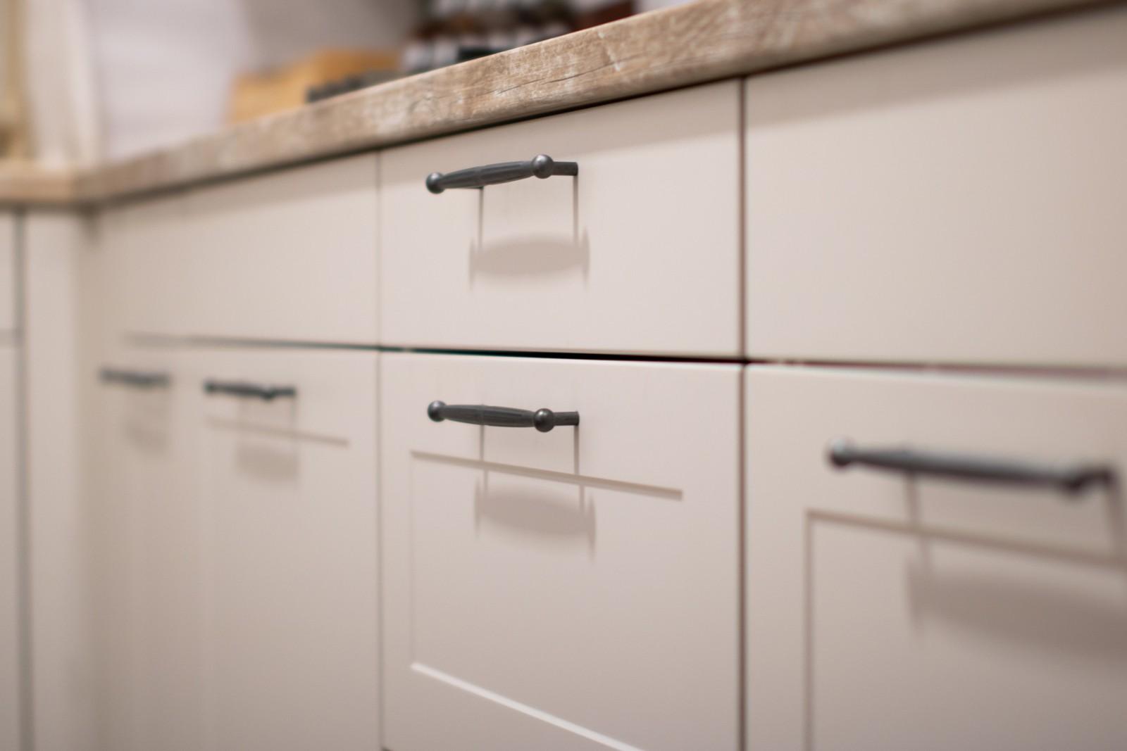 Referință - Bucătărie clasică Nobilia Credo - Savanna / Driftwood