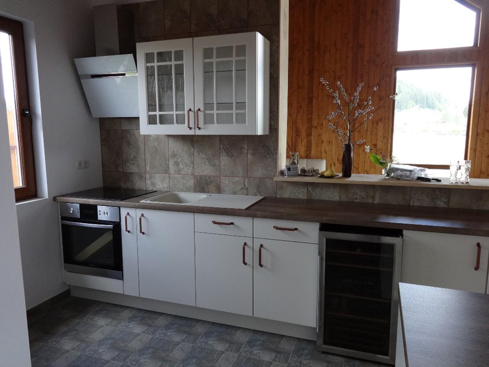 Referință - Bucătărie modernă Nobilia Touch - Bej / Stejar canadian