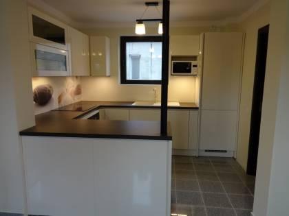 Referință - Bucătărie modernă Nobilia Lux - Bej / Stejar Gladstone