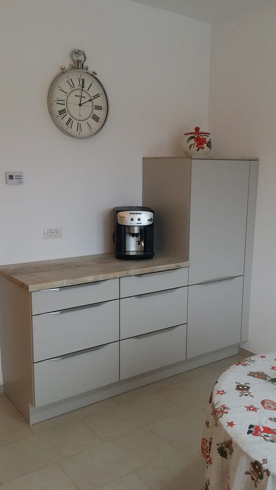 Referință - Bucătărie modernă Nobilia Touch - Satin gri / Driftwood