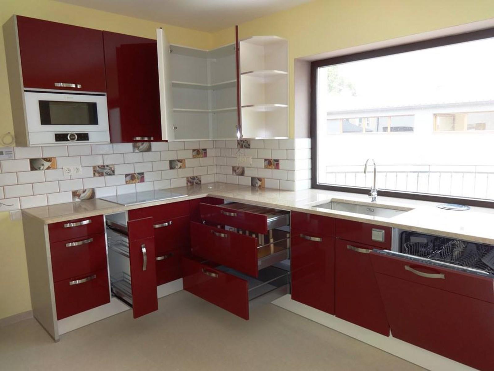 Referință - Bucătărie modernă Nobilia Primo - Bordeaux / Granit autentic