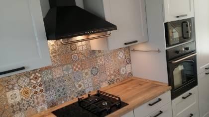 Referință - Bucătărie rustică Nobilia Chalet - Nisip / Brad Arizona