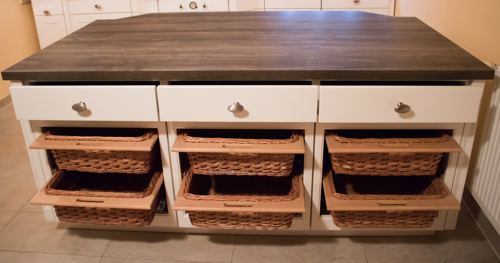 Referință - Bucătărie rustică Nobilia Chalet - Bej / Stejar Stem