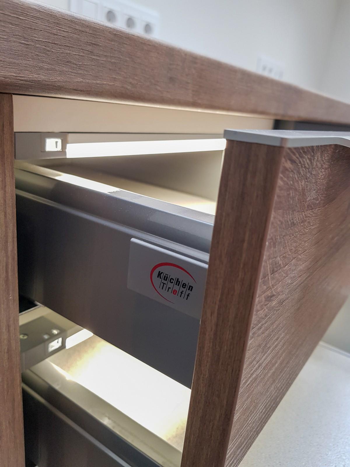 Referință - Mobilă modernă de birou Nobilia Riva - Stejar Ontario