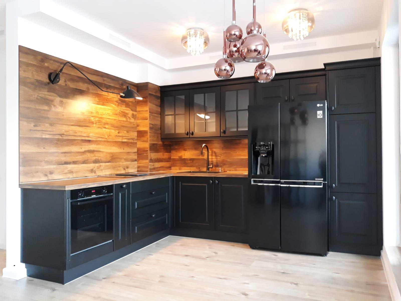 Referință - Bucătărie rustică Nobilia Sylt - Negru mat / Stejar Timber