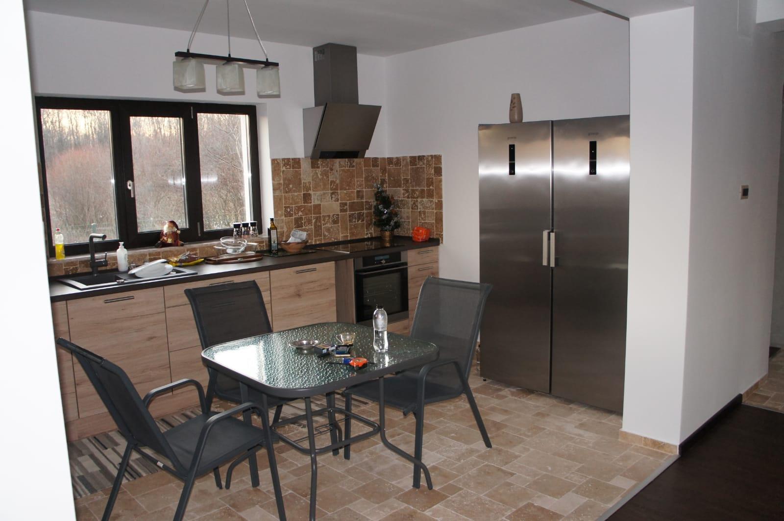 Referință - Bucătărie modernă Nobilia Riva - Stejar Sanremo / Gri ardezie
