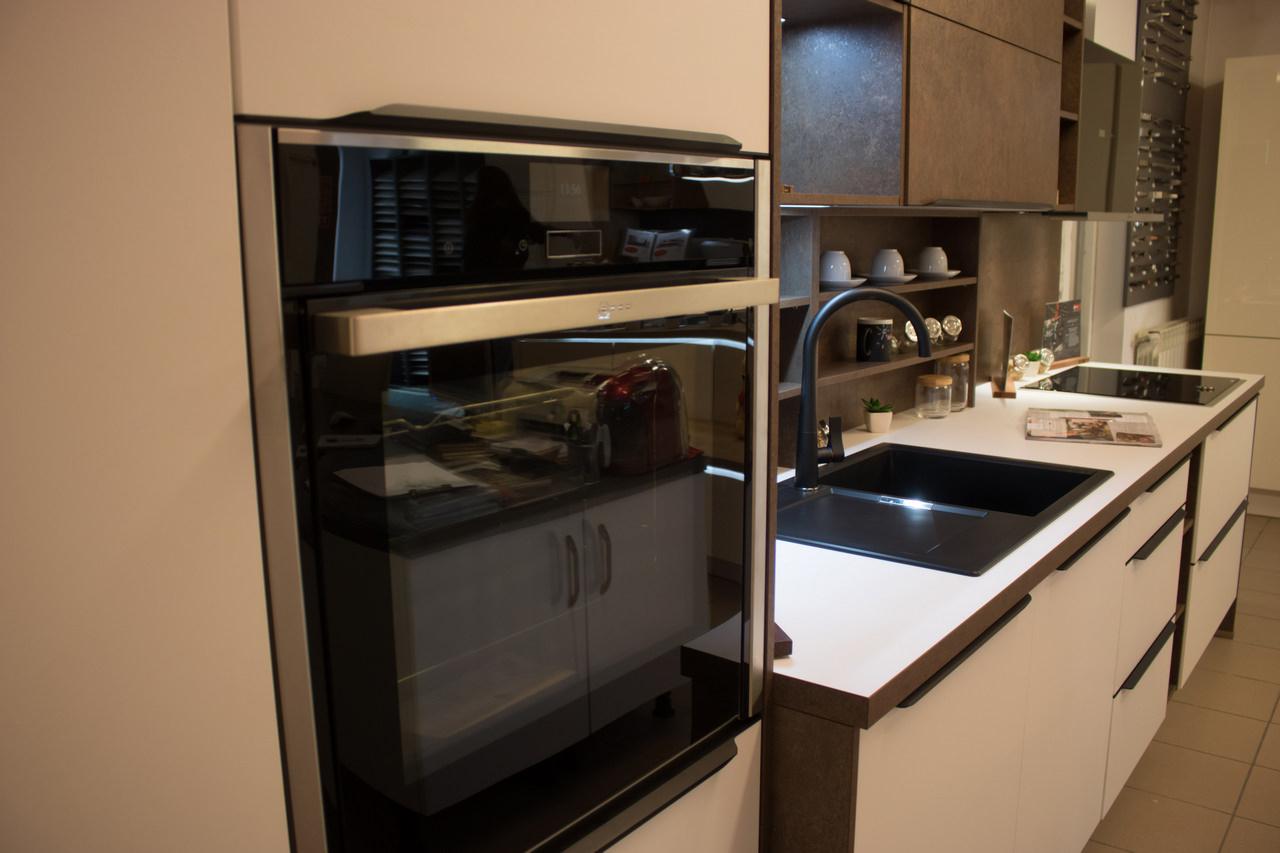 Lichidare - Mobilă de bucătărie Nobilia Laser
