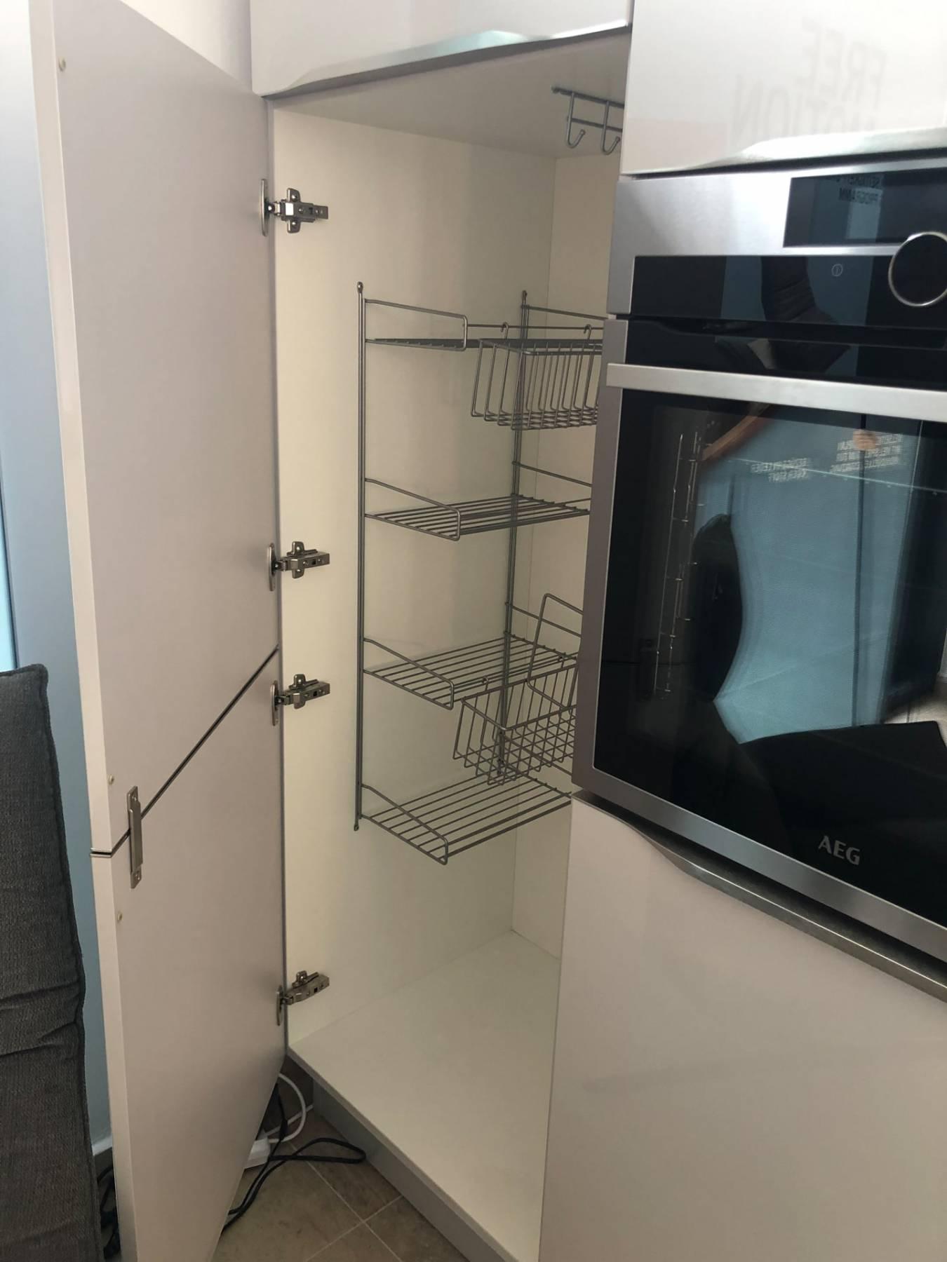 Lichidare - Mobilă de bucătărie Nobilia Lux - Satin gri