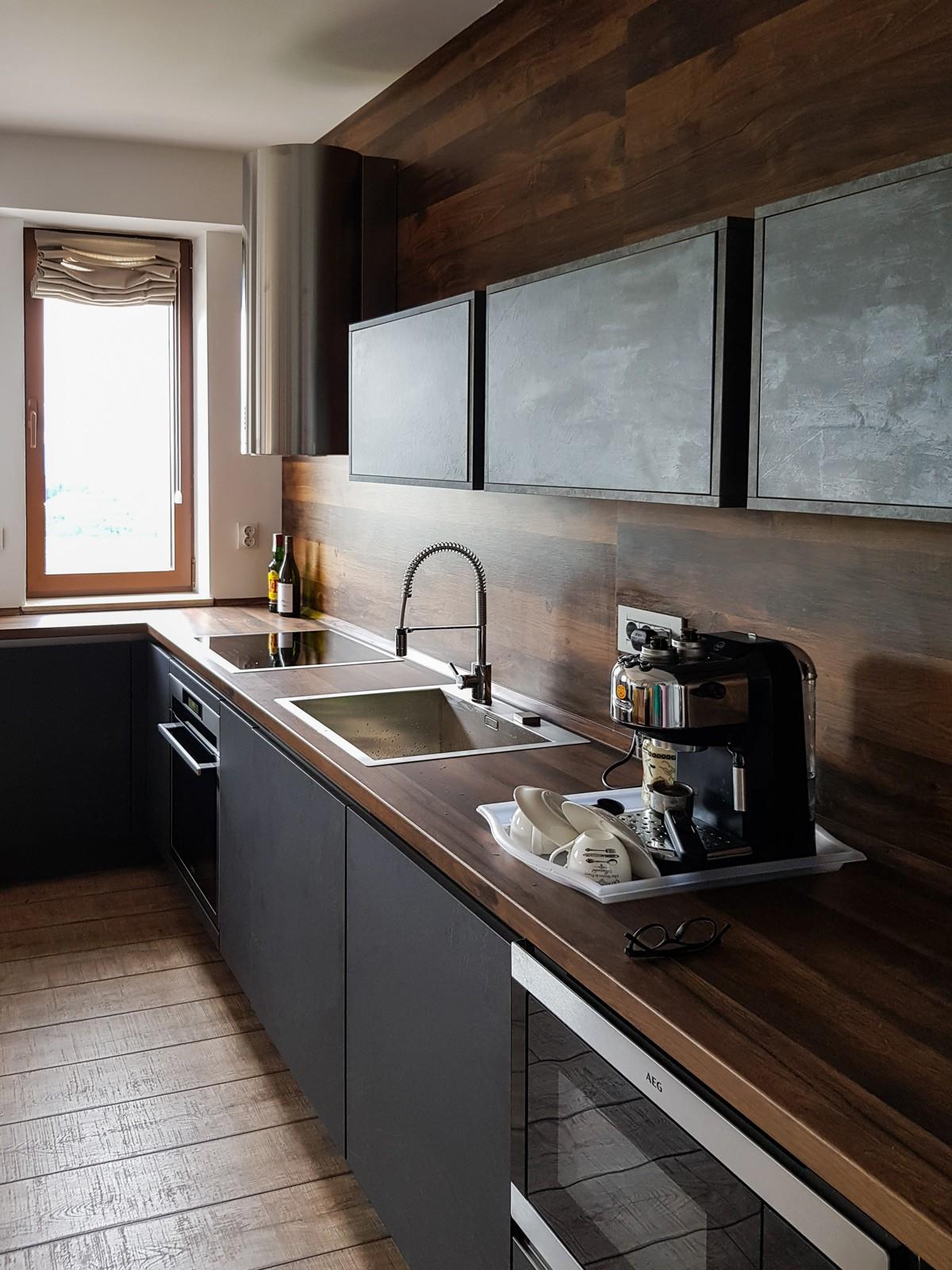 Referință - Bucătărie modernă Nobilia Stoneart - Ardezie Gri / Caledonia