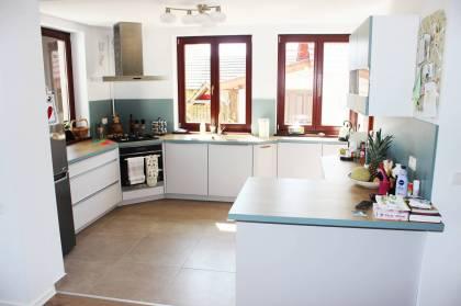 Referință - Bucătărie modernă Nobilia Touch / Laser - Apă albastră / Satin gri