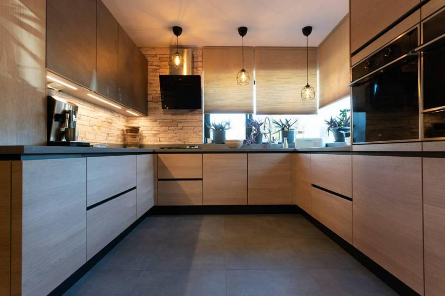 Referință - Bucătărie modernă Nobilia Riva - Stejar Somerset / Cuarț