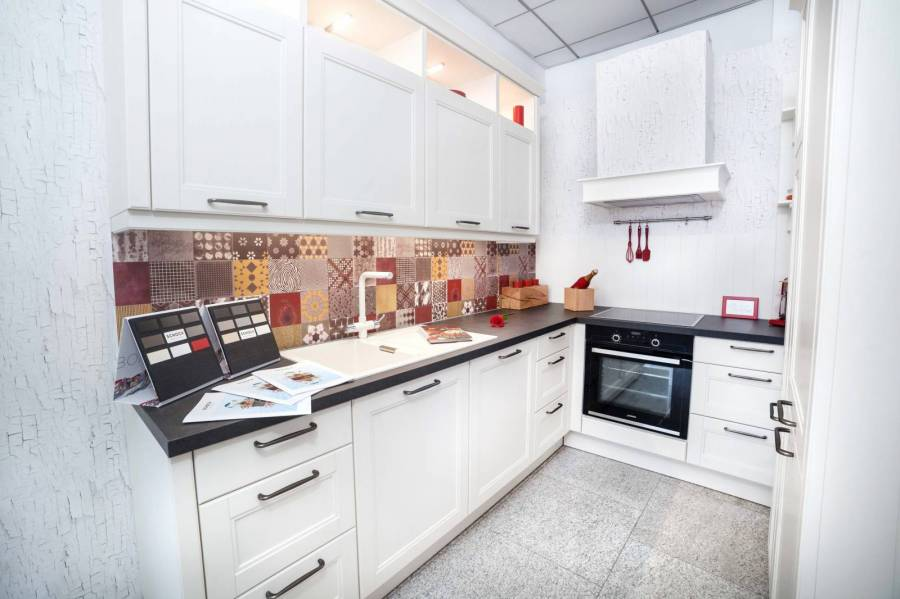 Lichidare - Mobilă de bucătărie Nobilia York - Alb - Electrocasnice Incluse