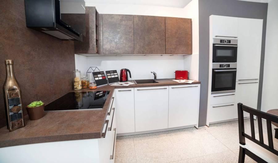 Lichidare - Mobilă de bucătărie Nobilia Speed - Alb / Ferro Bronze
