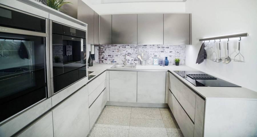 Lichidare - Mobilă de bucătărie Nobilia Riva / Inox