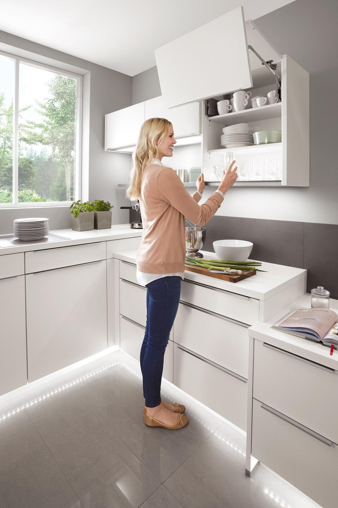 Mobilă de bucătărie modernă Nobilia Touch - Alb alpin mat