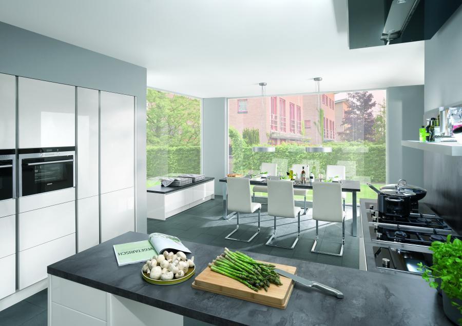 Mobilă de bucătărie modernă Nobilia Lux - Alb alpin lucios