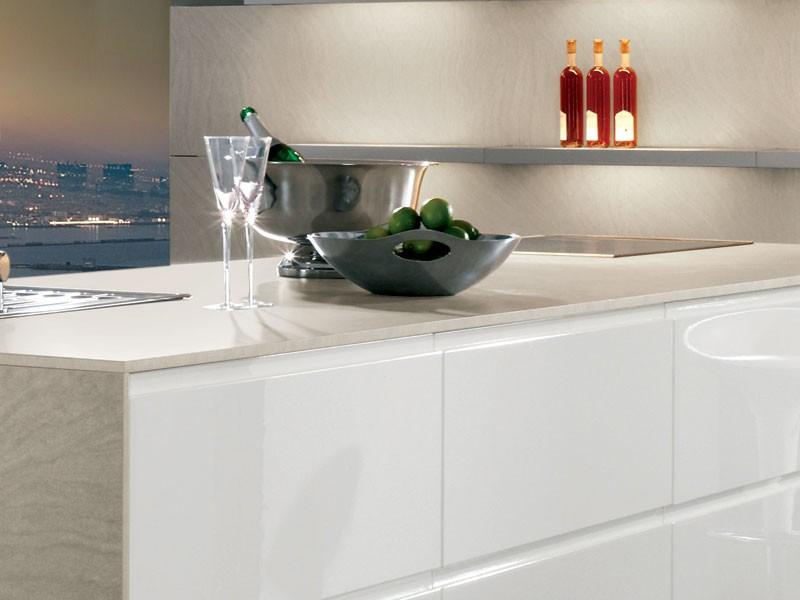 Mobilă de bucătărie modernă Nobilia Pura - Alb lucios